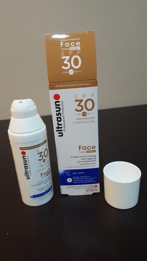 Ultrasun SPF30 Tinted Face Honey