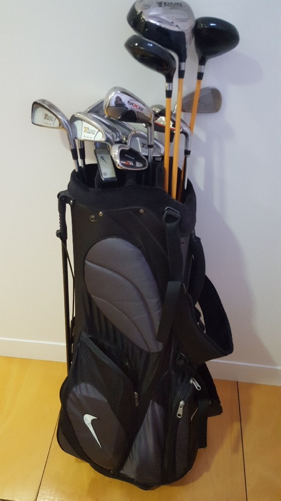 Nike golf bag and Dunlop golf clubs