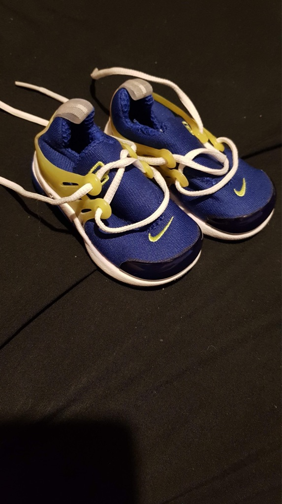 Baby boy genuine Nike trainers age 6months +