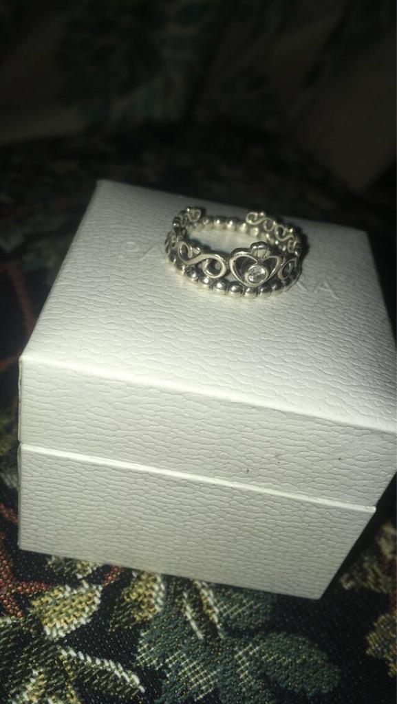 silver pandora princess ring