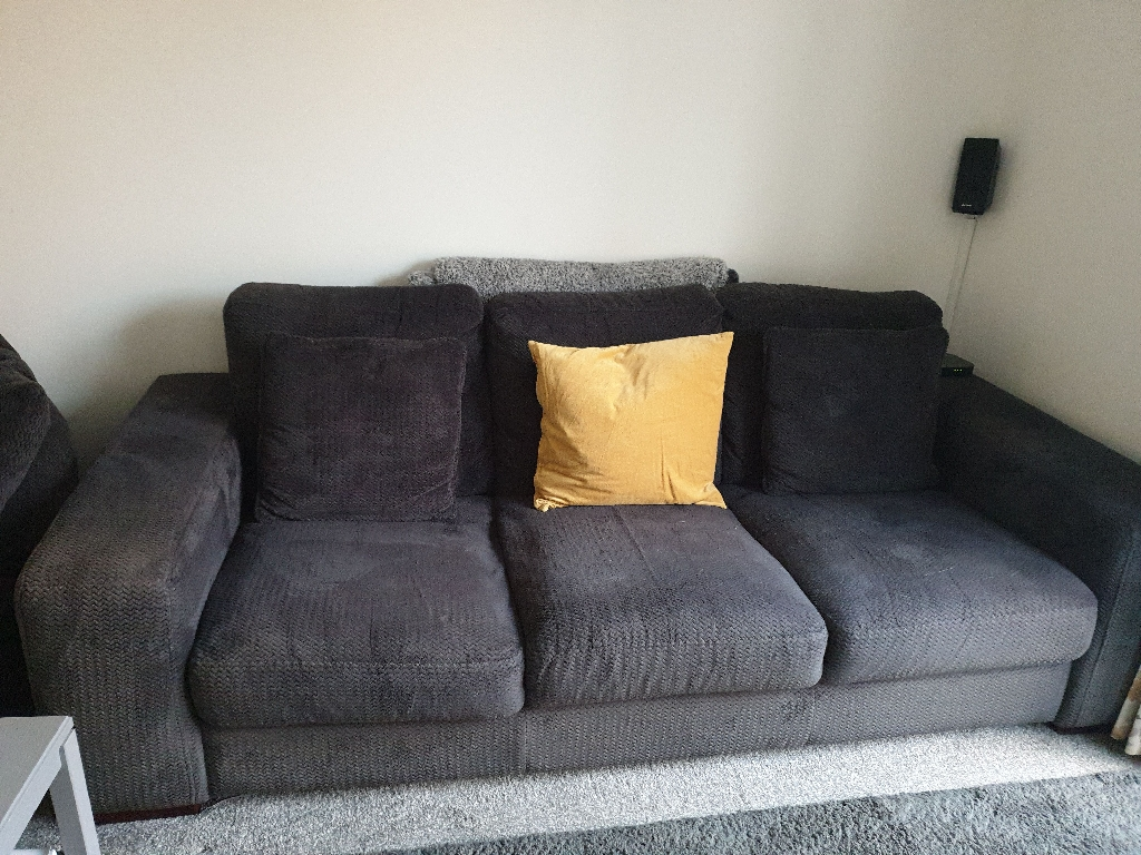 3 seater sofa for sale BARGAIN at £125 O.N.O