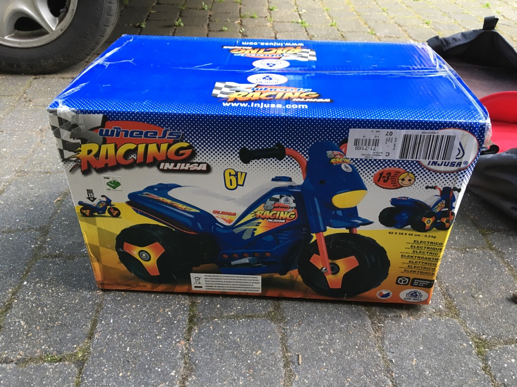 Brand Bew in Box 3 wheels Racing bike !!!