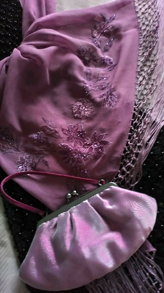 Accessorize Dusky Pink Shawl & Purse Set