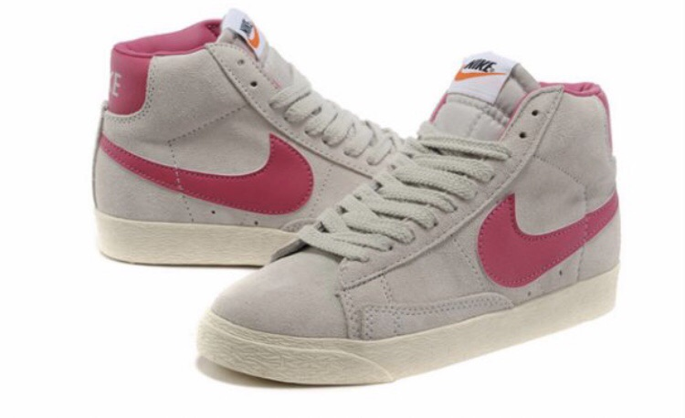 Ladies Nike Blazers Suede Hightop Trainers In Wolf Grey/Fireberry Size 6