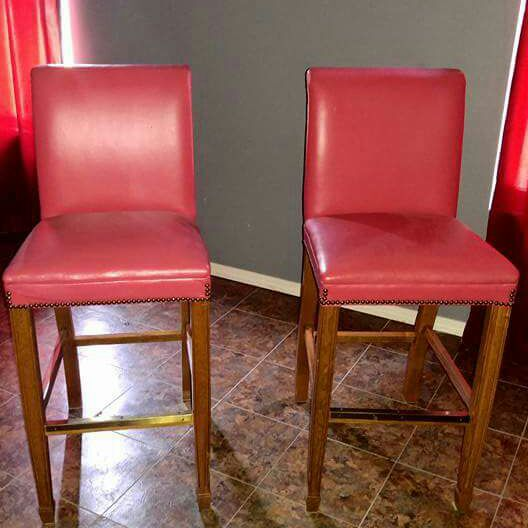 Nee bar chairs