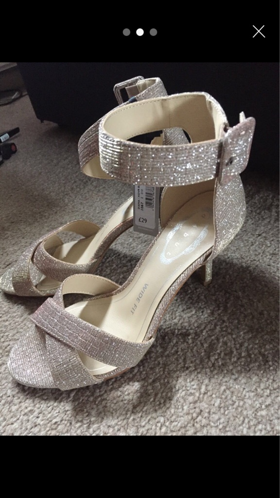 Glittery shoes size 5