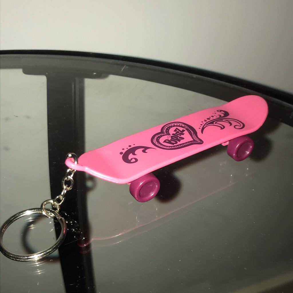 Bratz skateboard key ring / key chain