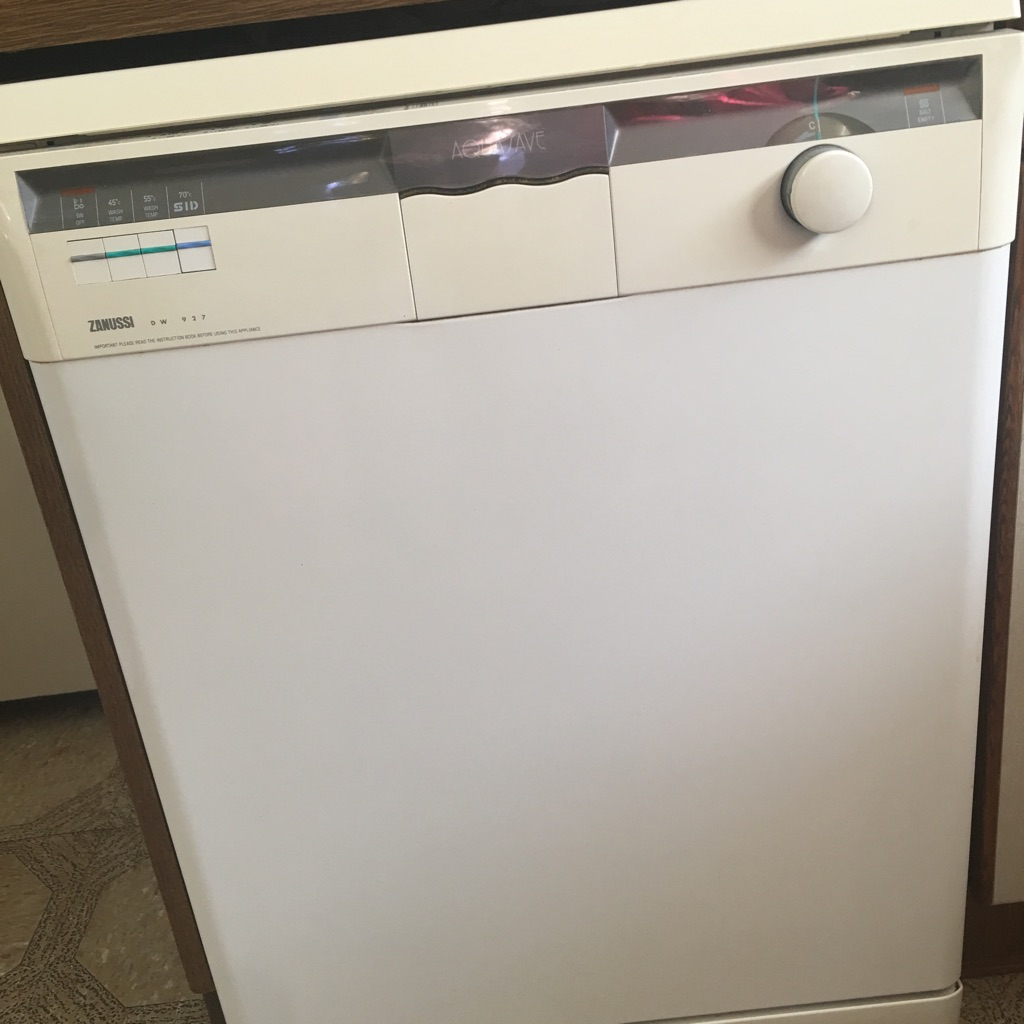 Zanussi dishwasher - hardly used - excellent condition