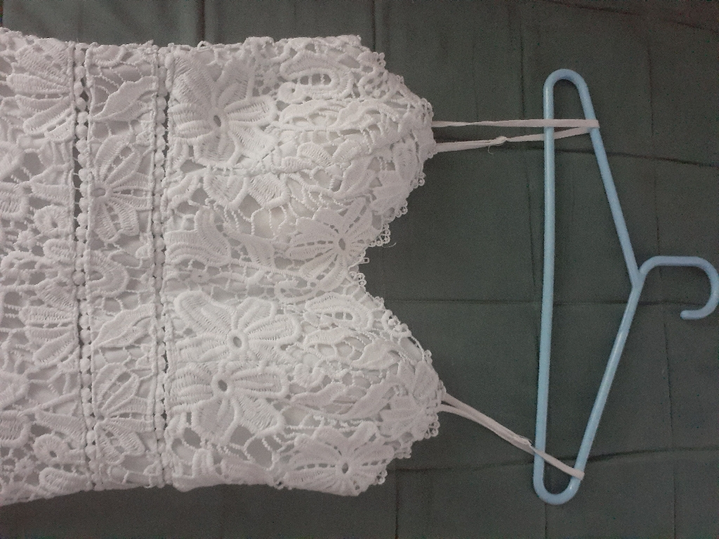 Cute white floral size 2 dress