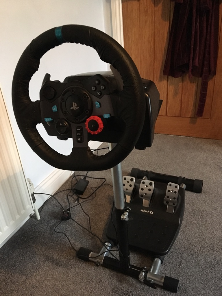 Logitech G29 Driving Force Racing Wheel and Radstand PRO steering wheel stand PLUS F1 2018 game