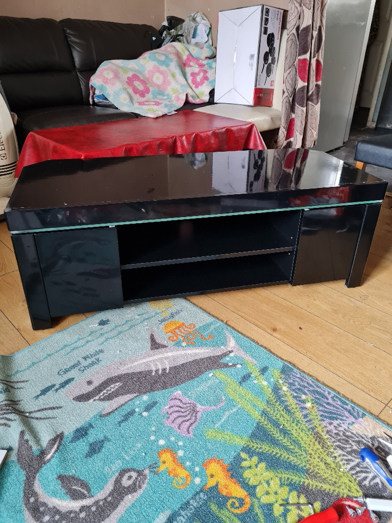 47 inches wide TV unit new £150