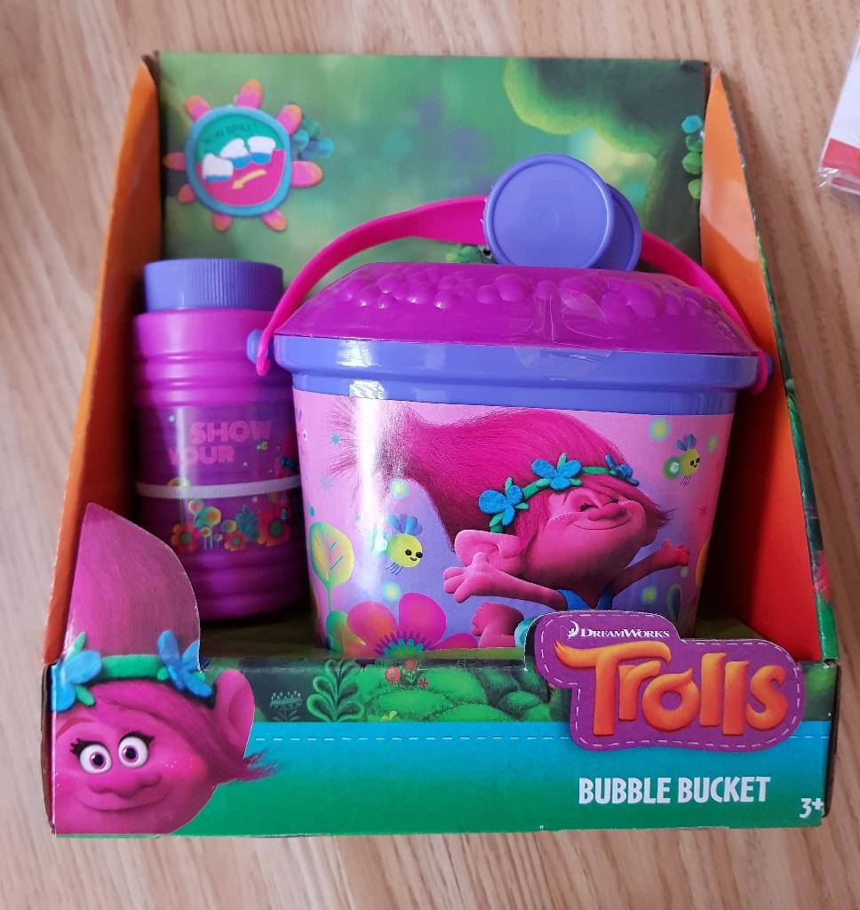 Brand new trolls bubble buckets