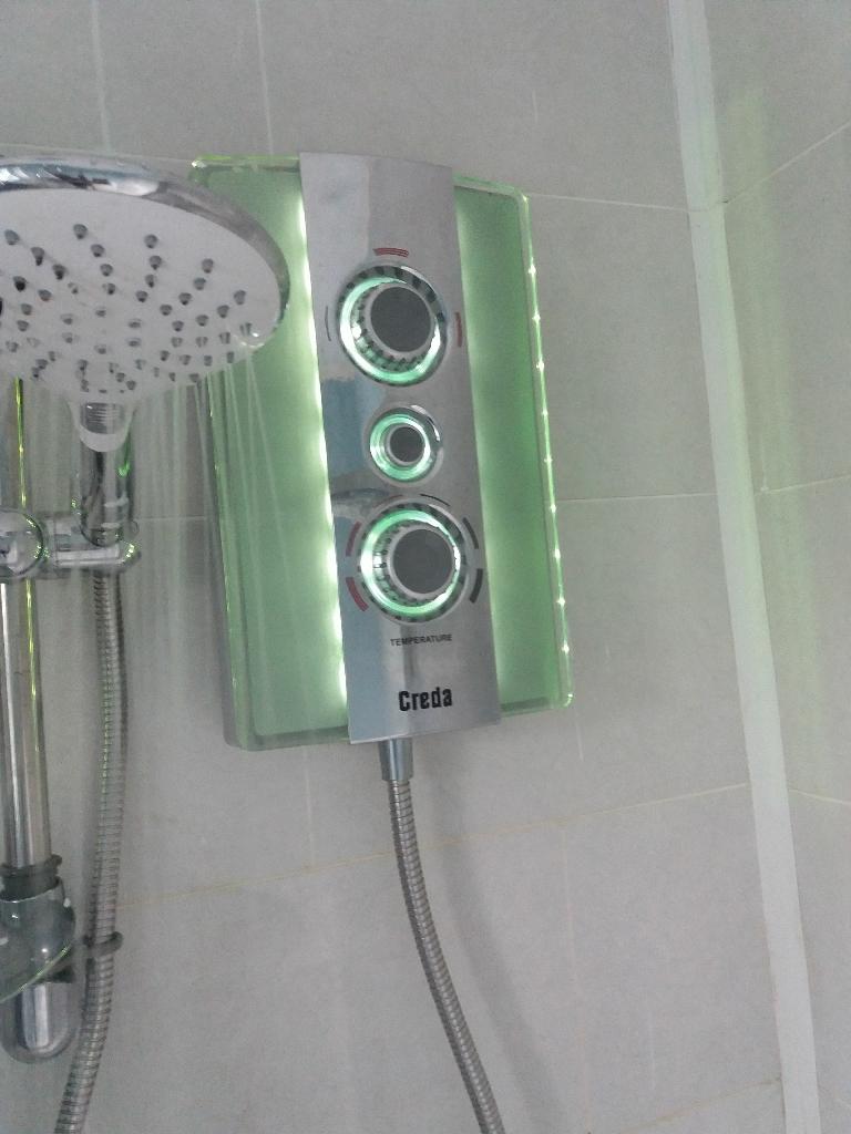Creda LED Aqua Ambience 8.5k electric shower