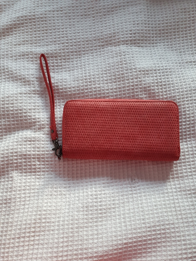 Pink purse wallet