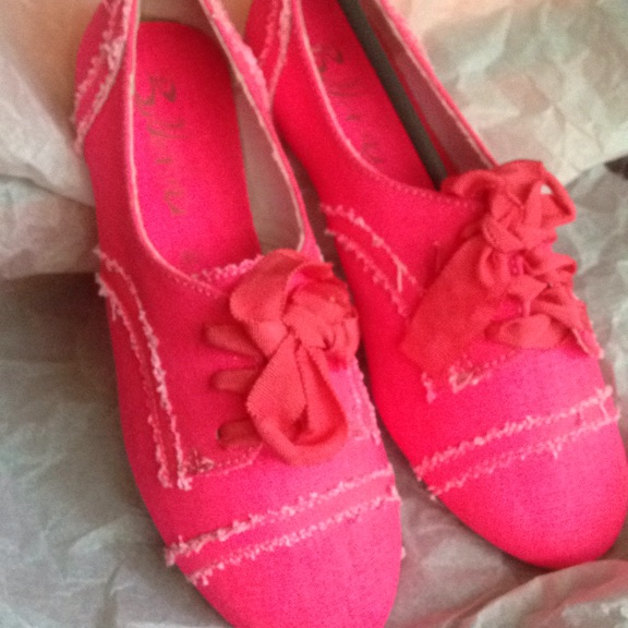 Size 36 pink textile flat shoes new in box