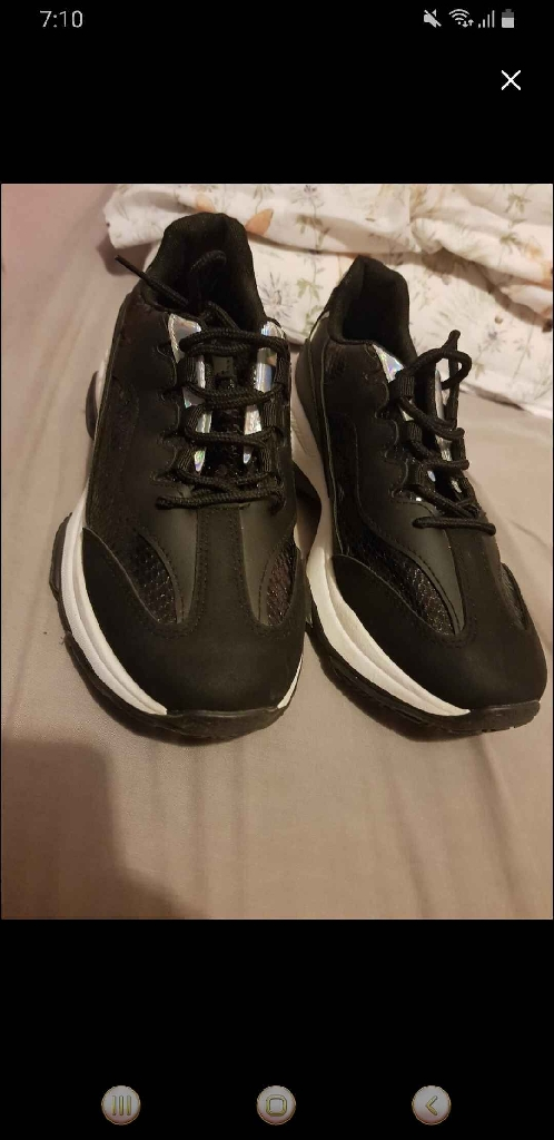 Krush trainers size 6