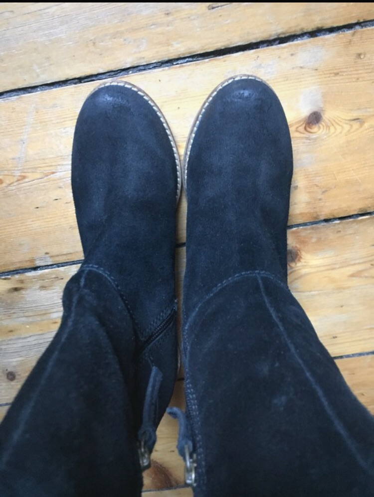 Black boots. Size 4. Clarks.