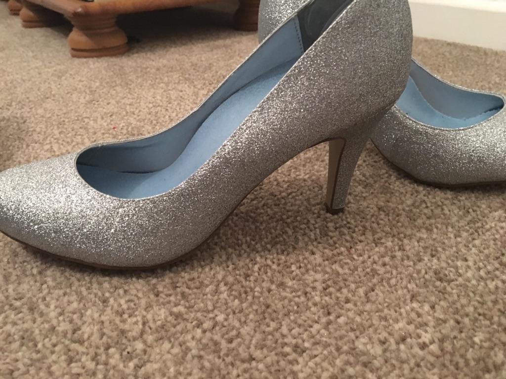 Silver size 4 heels