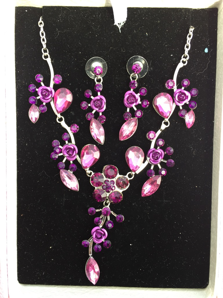 BNIB Necklace & Earrings Set in Gift Box