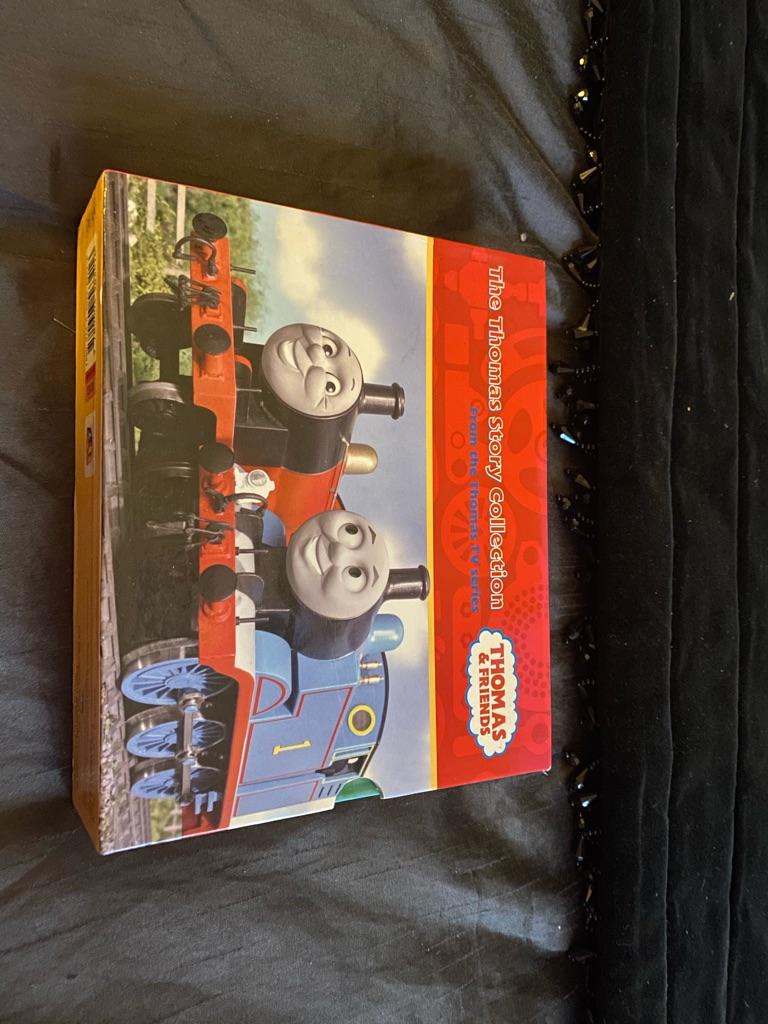 Kids compete set of Thomas the Tank books brand new