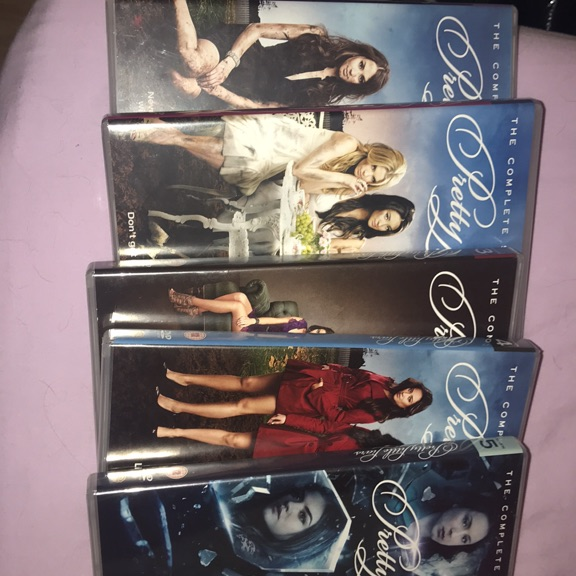 Pretty little liars box set