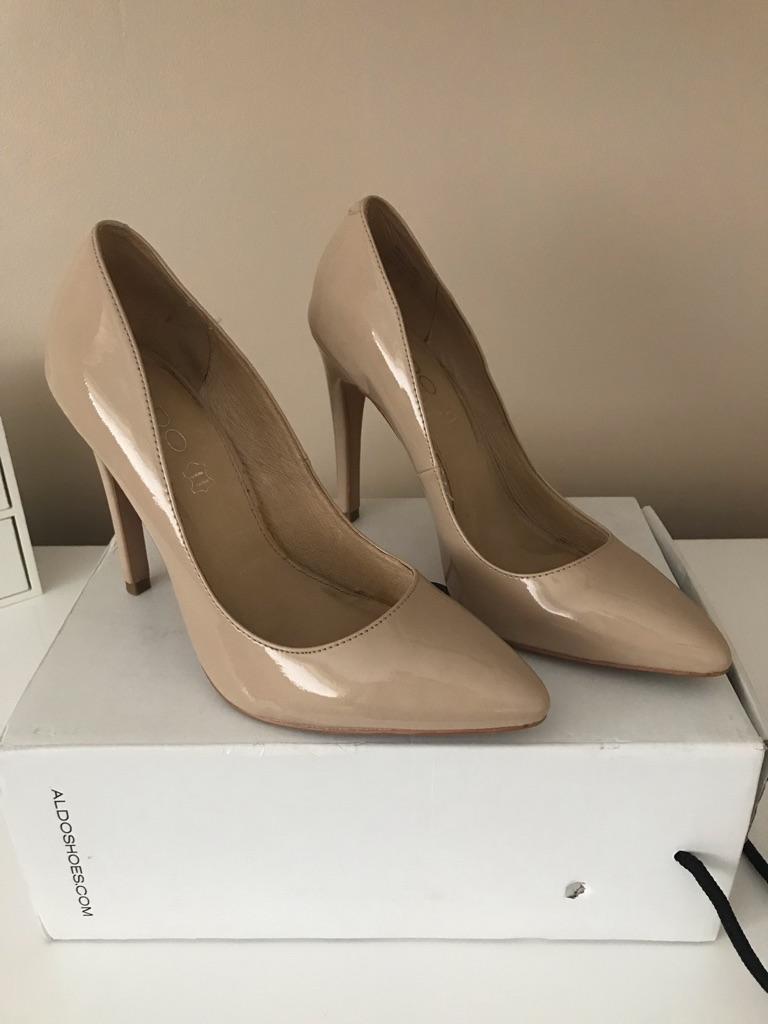 Aldo nude court shoe size 6