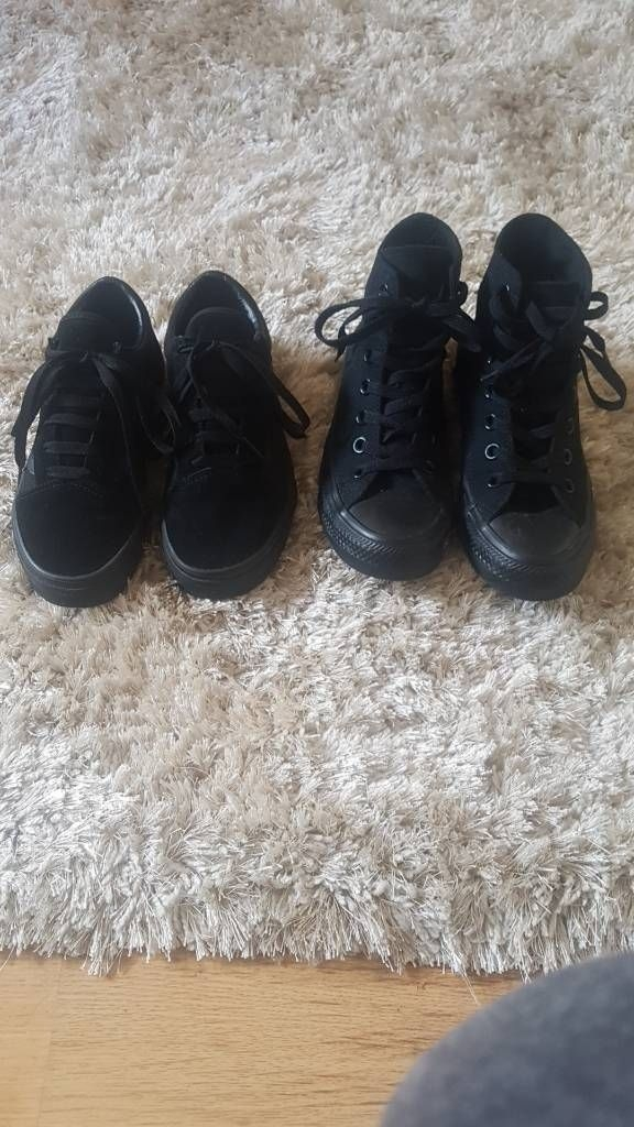 2 pairs of trainers £40