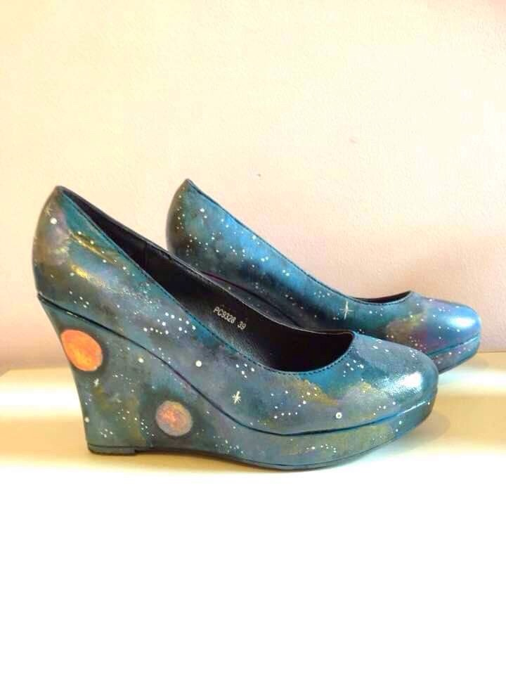 Size 6 galaxy wedges shoes.
