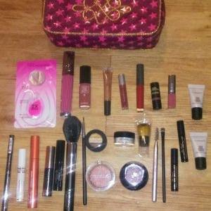 Mac makeup and case
