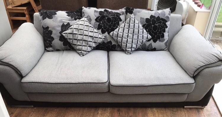 Gorgeous ex display 3 seater sofa