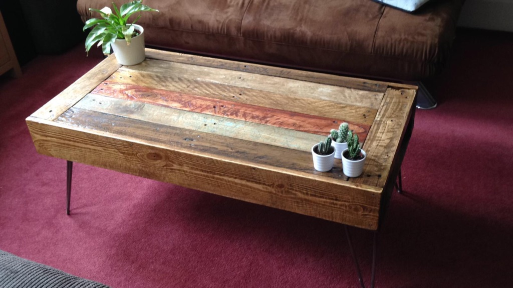 Coffee table - Refurbished wood