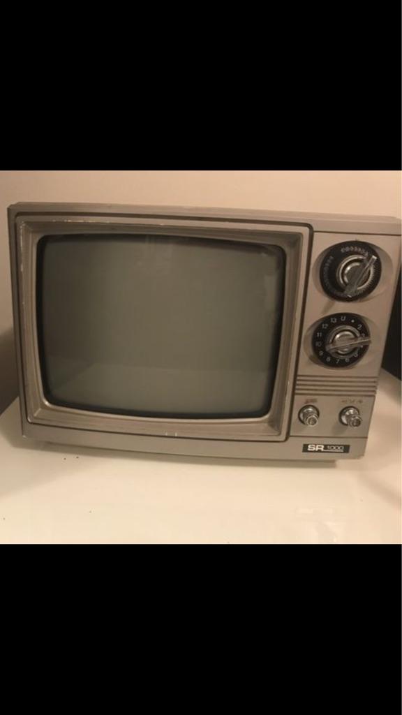 4 working vintage TV's!