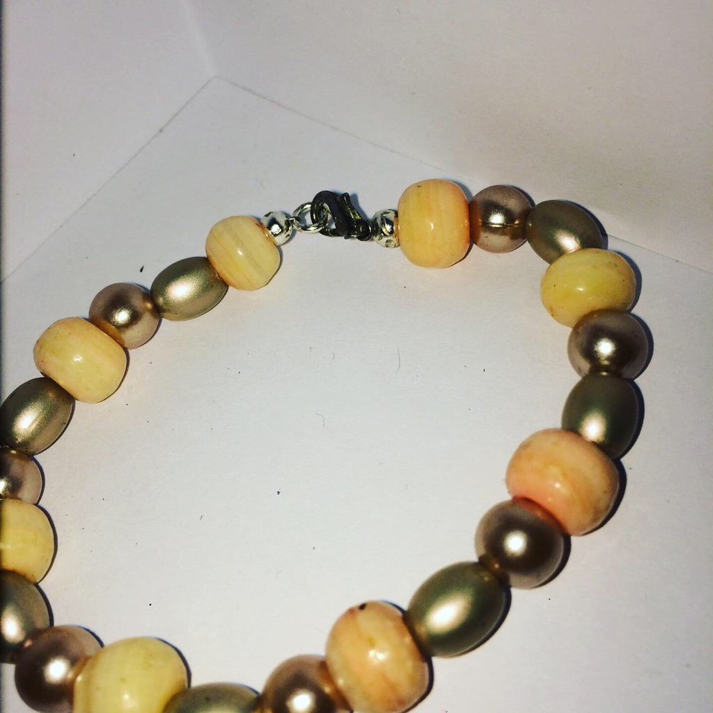 Beautiful Ladies Beads Bracelet