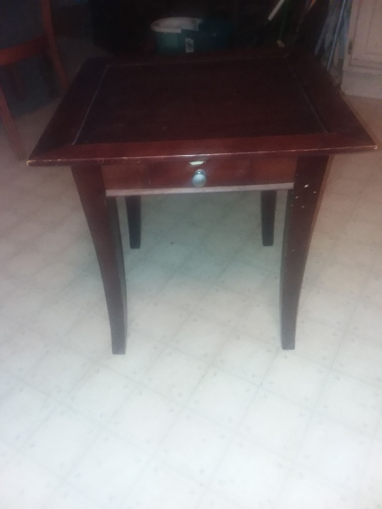 Inn table