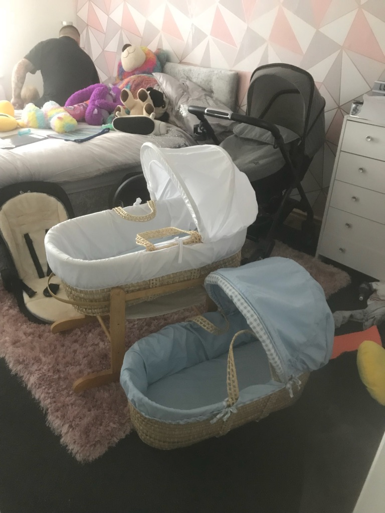 Moses baskets x2