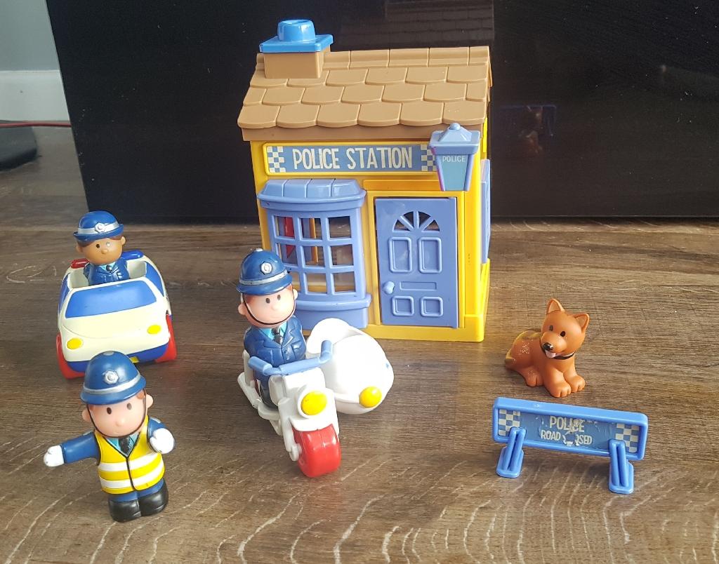 ELC Happyland police set