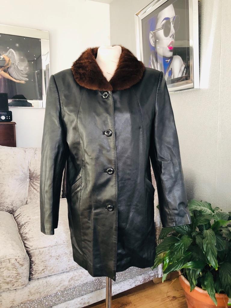 Women's Black vintage leather jacket coat size 12