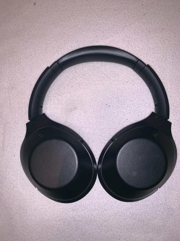 Sony MDR-1000x headphone in excellent condition
