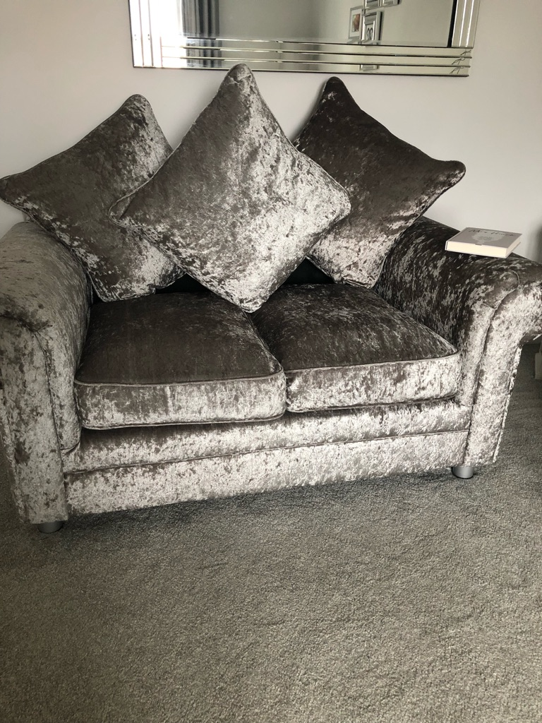 2/3 sofas