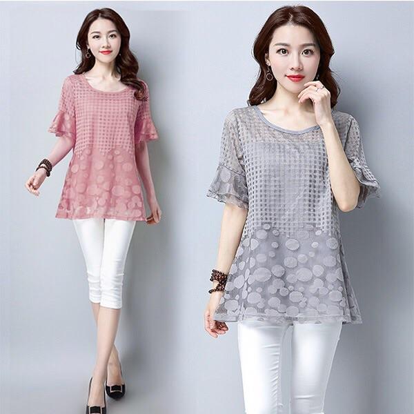 Woman t-shirt lace