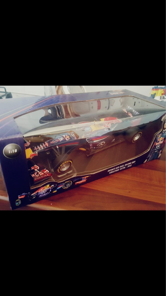 Red vettel Infiniti scale model red bull 2013 car £50 ono