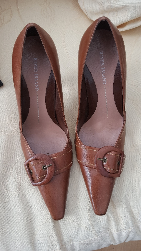 River island brown heeled shoes with box hardly used vgc bargain no time wasters please