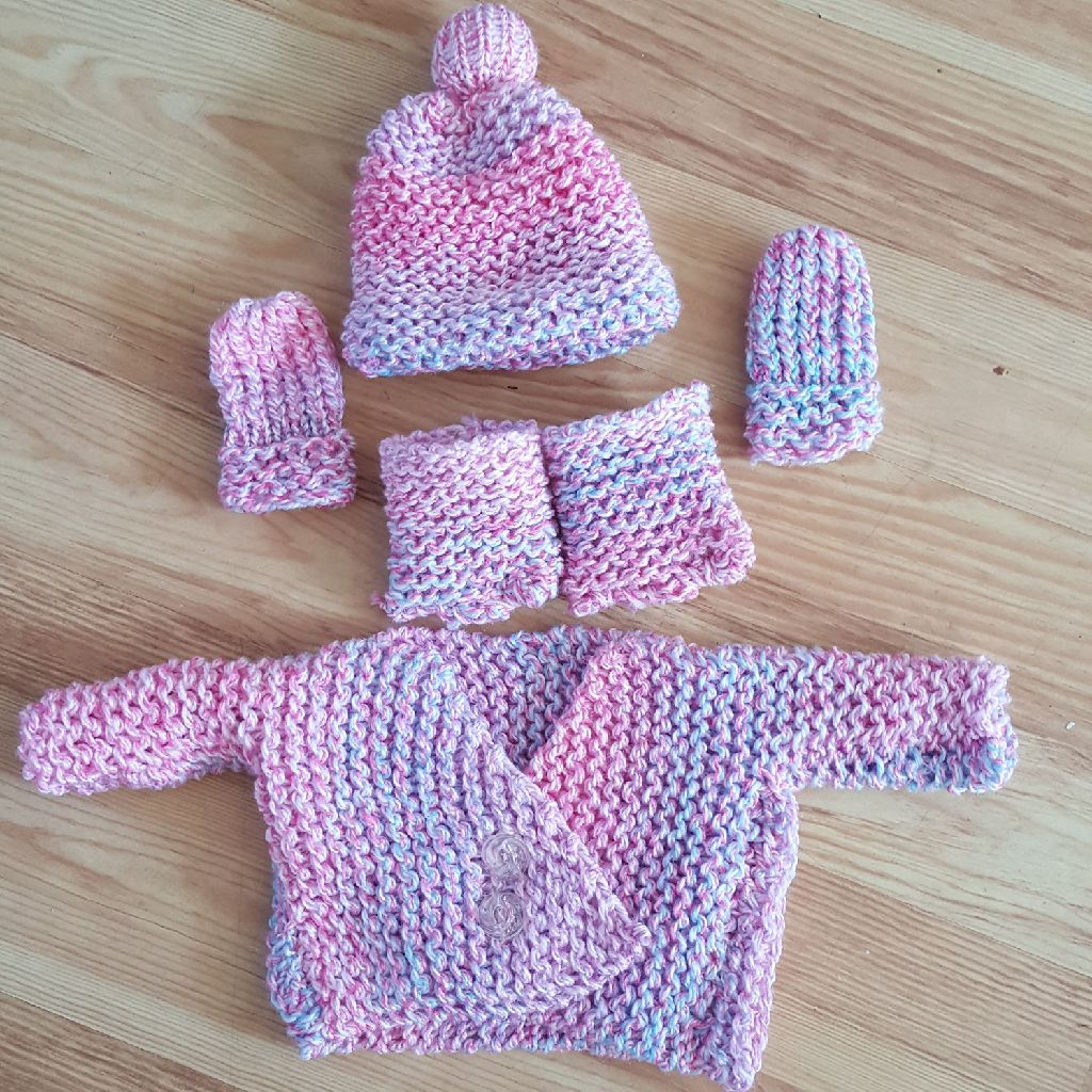 Handmade loom knitted set