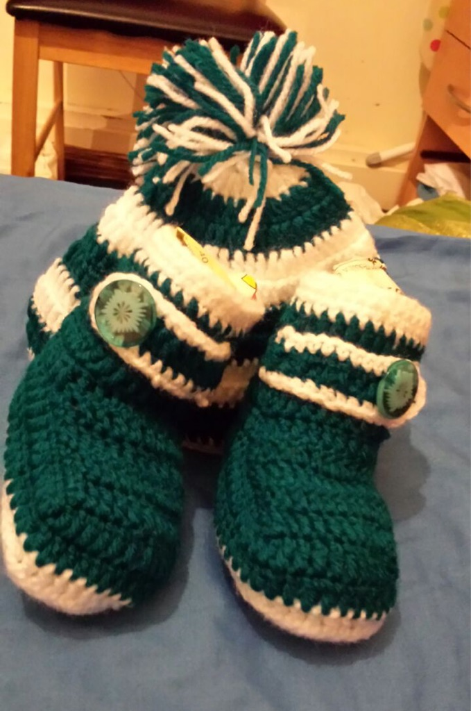 Baby hat and boot