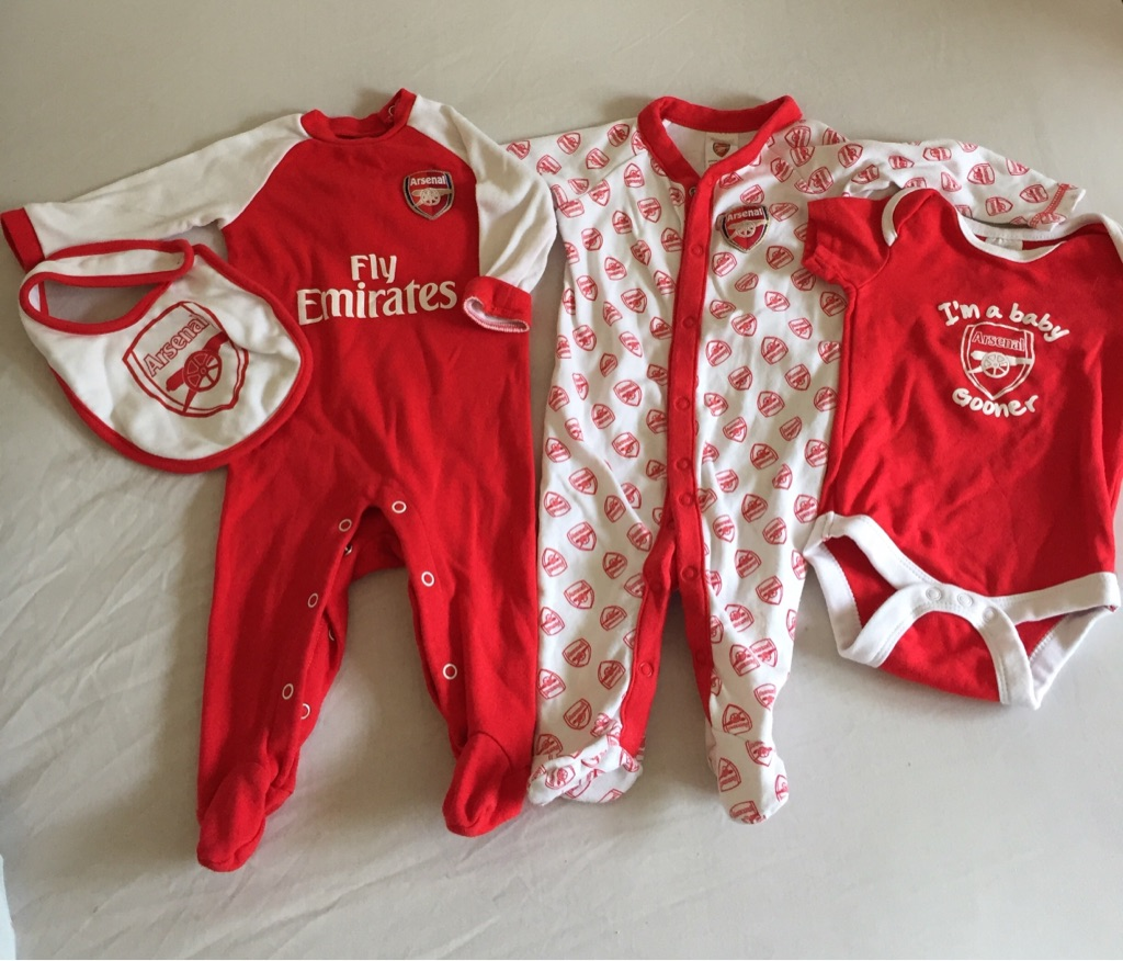 Arsenal 4 piece. 3-6 months