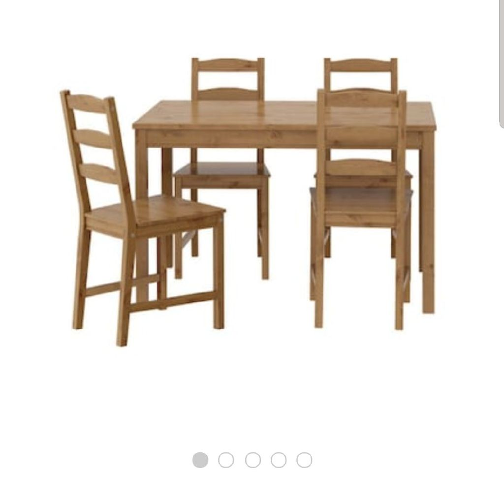 Dining table, 4 chairs and seat covers