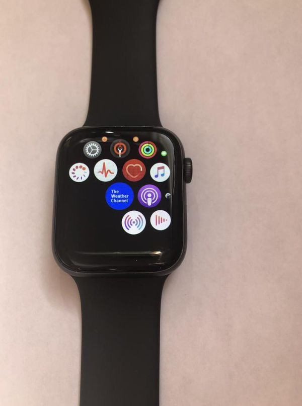 Apple Watch Series 5 (Space Gray)