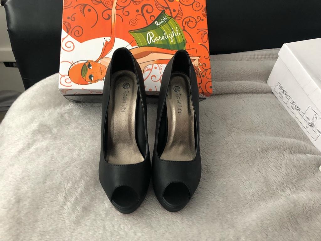 Size 6 woman's open toe heels