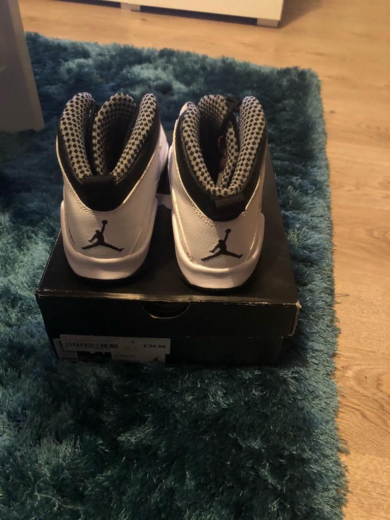 Nike Junior Jordan 10 Retro White and Black Size 4