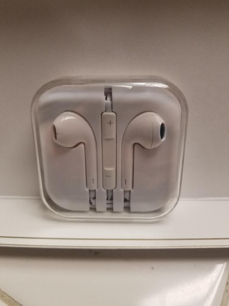 3.5mm in ear earbuds